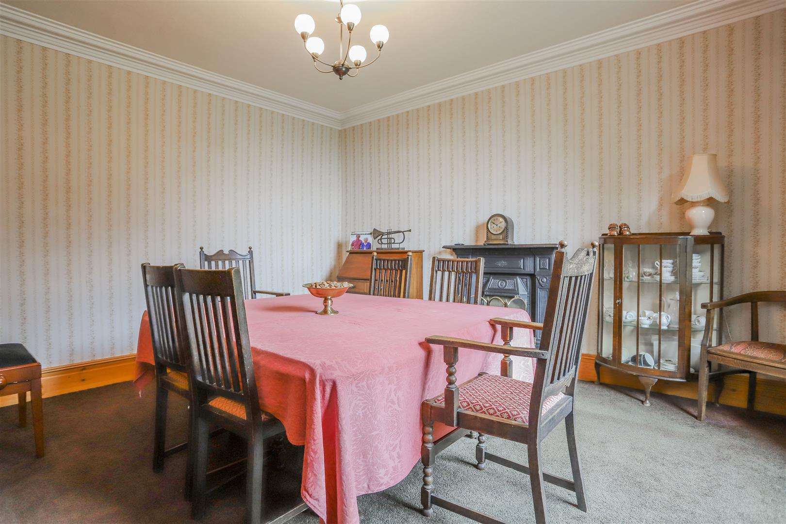 6 Bedroom Detached House For Sale - 11.JPG